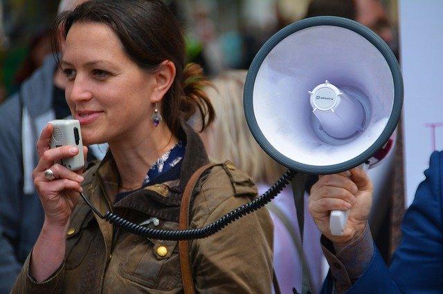 Parlare in pubblico: anche sui Social può essere difficile. Che fare?