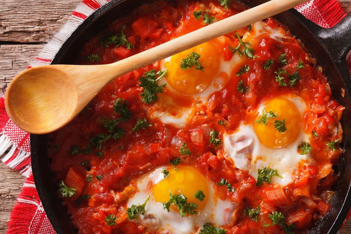 Già provate le uova alle contadina? Una cena veloce e… buonissima!